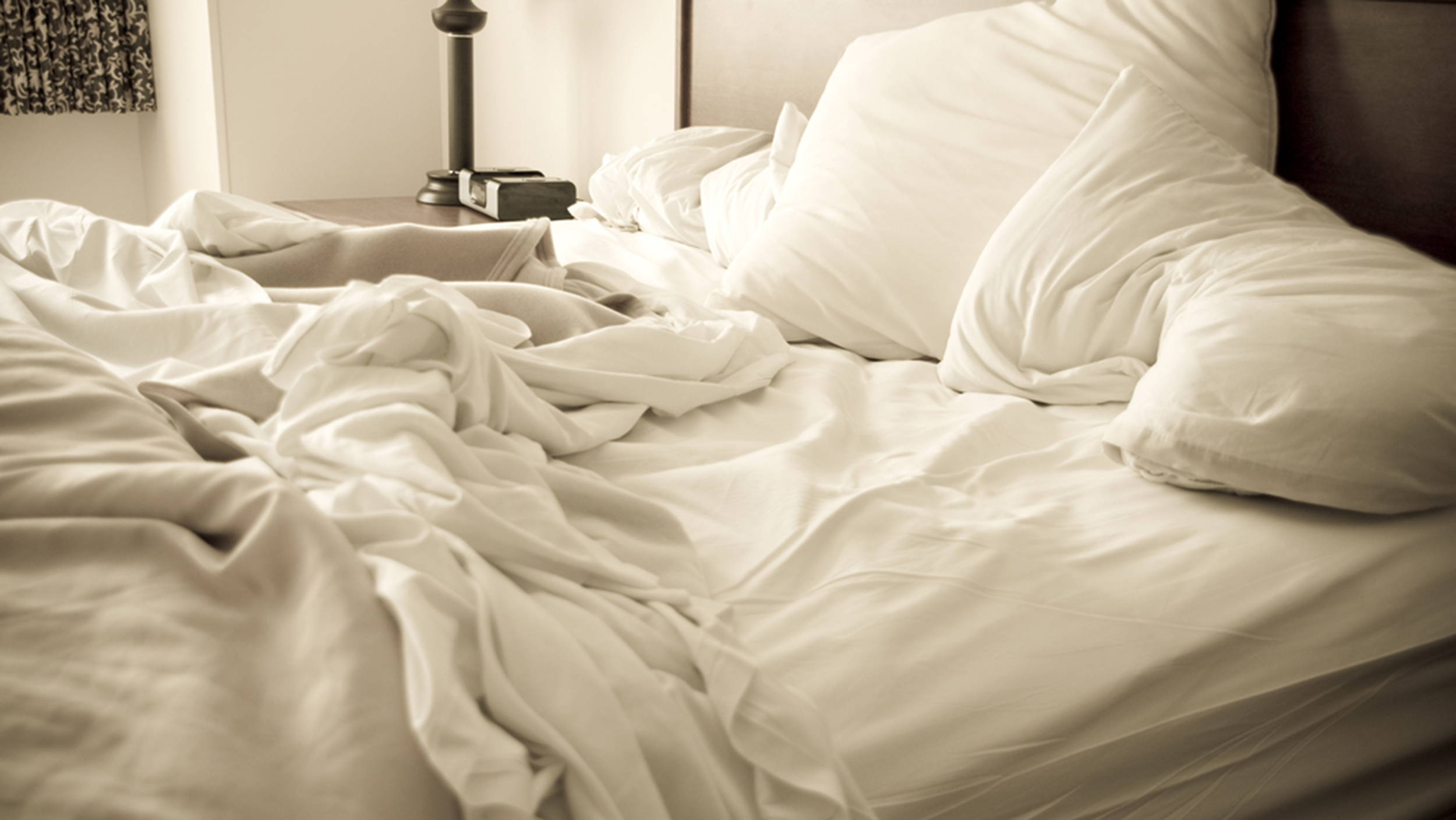 messy-bed-stock-today-tease-150911_5949f895c76c4a00be85c88964343bbf